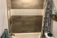 bathroom-shower-tub-toilet-bourgoing-construction